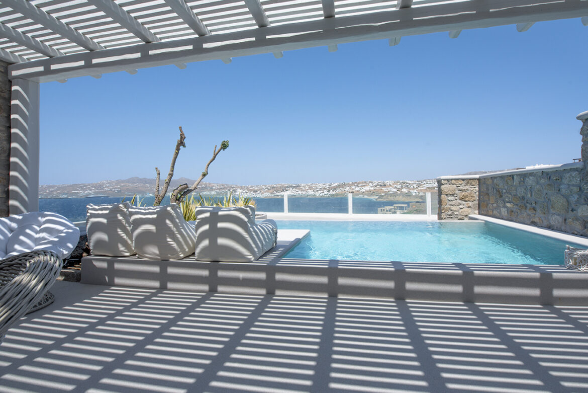 Luxury Apartment with Private Pool (1B)