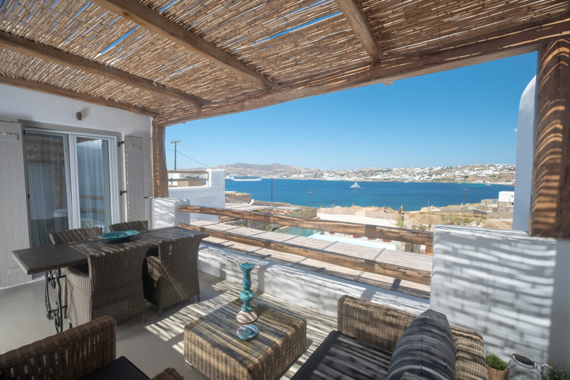Luxury One-Bedroom Apartment with Sea View (3A)